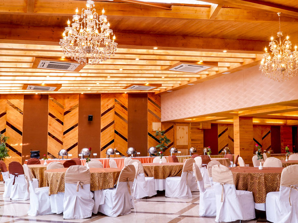 5 Questions to Ask the Banquet Hall Staff